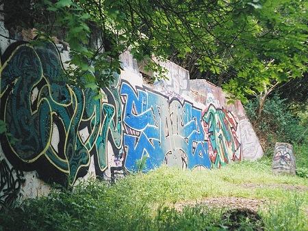 leona graffiti